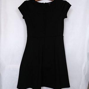 Women's Ann Taylor Petite 6P Black Dress Zip Back